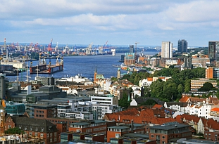 Hamburg: a dynamic growth center
